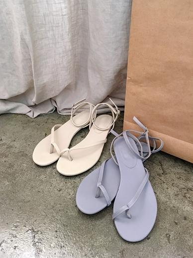 第二十镜头,凉鞋