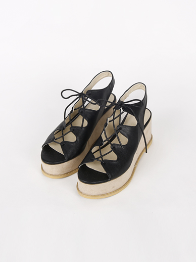 [出售] Weidewe,跟鞋(合身鞋240)