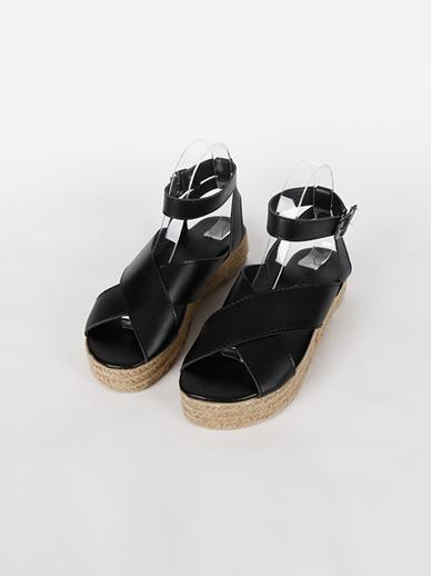 [出售] Neve,凉鞋(配件鞋245)