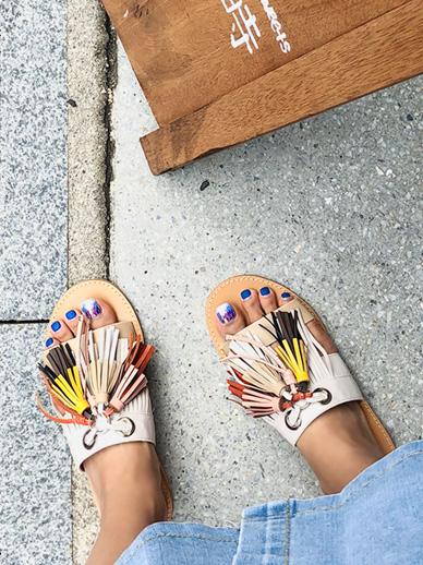 苔丝,鞋子