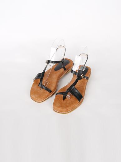 [出售] Unita,凉鞋(配件鞋240)