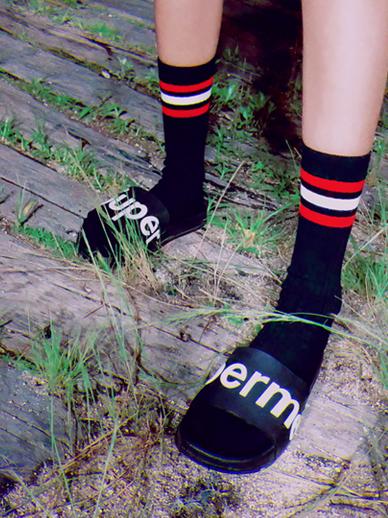 三条线,袜子