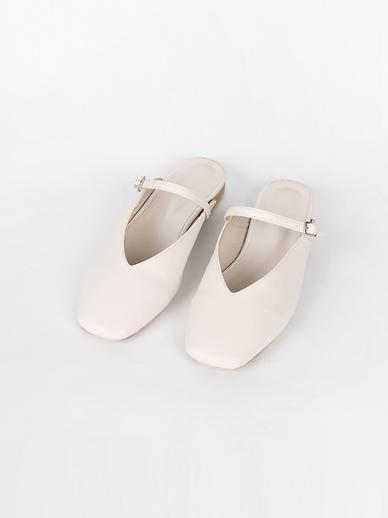 [出售]方鼻,上衣(配件鞋235,240)