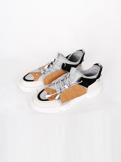 [SALE]实际,胶底帆布鞋(配件鞋240)