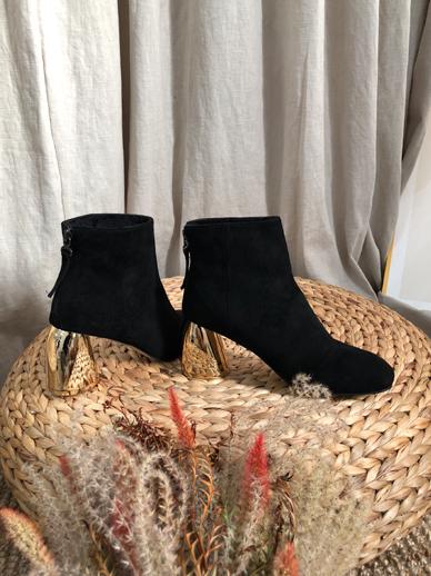 Tymire,鞋子