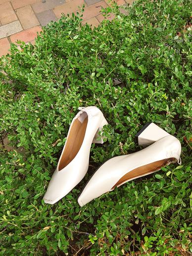 色拉寺林,高跟鞋