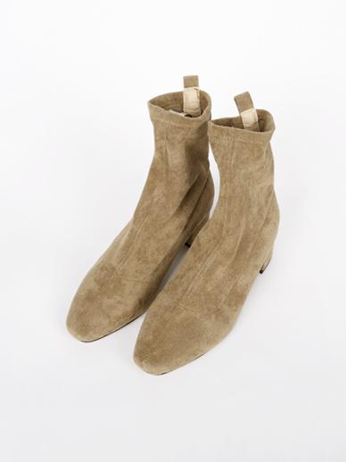 [出售] Julie,短裤(配件鞋,240)