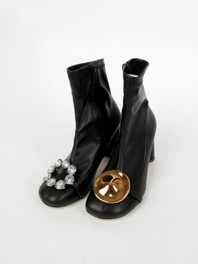 [出售] Belo,短裤(配件鞋,240)