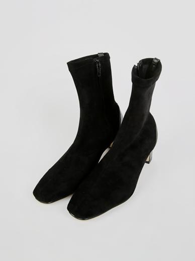 [SALE] Revolution,短裤(配件鞋,240)