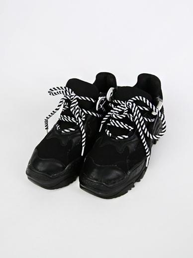 [SALE] Poki Poki,胶底帆布鞋(配件鞋,240)