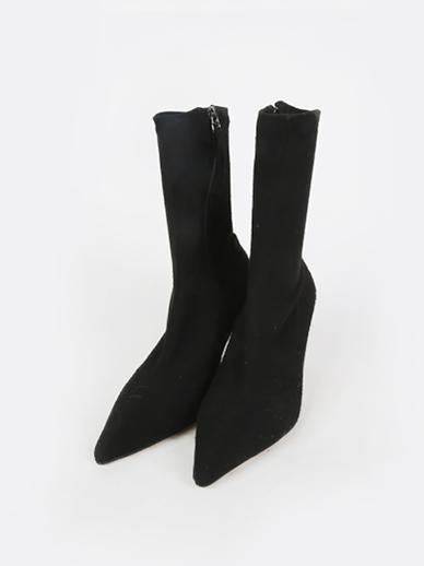 [出售] Carina,短裤(配件鞋,240)