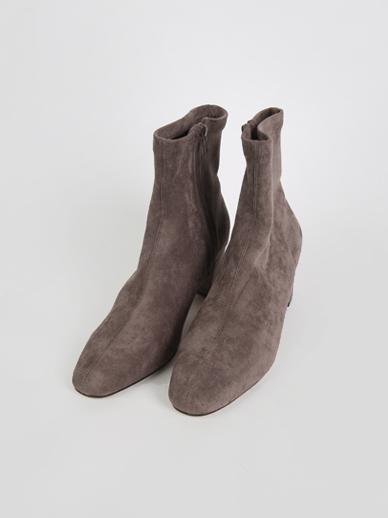 [出售]更多款式,短鞋(配件鞋,240)